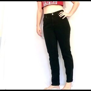 Calvin Klein High Waisted mom jeans size 28""